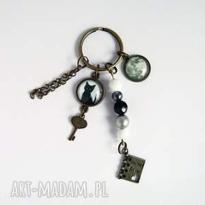 breloczek - czarny kot, księżyc, breloczek, do kluczy, sekret