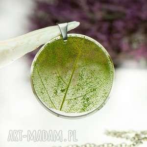 Prezent Naszyjnik z prawdziwym liściem zatopionym w żywicy z1536, biżuteria-z-żywicy