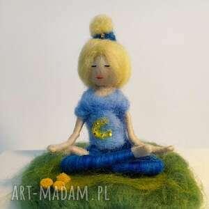 medytacja relaks yoginka olga z kolekcji medytation und - ćwiczyć