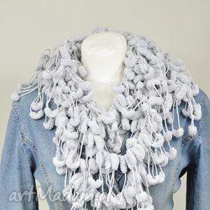 szaliki pom-pon scarf - szary, szalik, apaszka, kobiecy, delikatny, szary