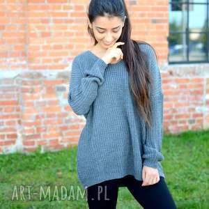 handmade swetry damski sweter oversize, jesienny, luźny, szeroki, ciemny szary sweterek z dekoltem