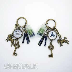 breloczek - czarny koń, opiekun domu, breloczek, klucze, mech
