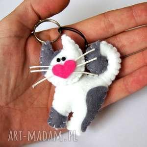Prezent Kot kotek - brelok z filcu, kot, wąsy, serce, brelok, gadżet, upominek