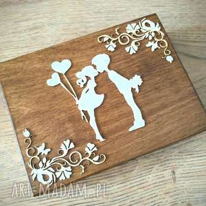 Pudełko na obrączki zakochana para z ozdobnikiem ślub biala