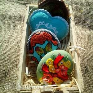 Koszyk z ceramiką drobną dekoracje pracownia kamionka ceramika