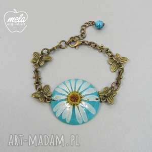 0525 mela bransoletka metalowa i kwiat w żywicy art bransoletka