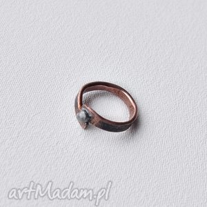 Pierścionek z oksydowanej miedzi /5/, pierścionek, obrączka, miedż, oksydowana