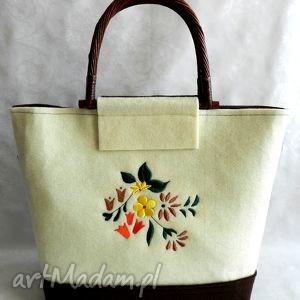 filcowa torebka z kwiatowym haftem oraz etui na okulary, bambusowe, rączki