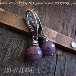 PURPUROWE kolczyki z rubinów i srebra, rubin, kula, srebro, oksydowane