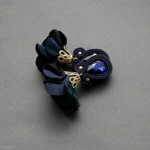 kolczyki sutasz z kwiatkiem, sznurek, wyjściowe, granatowe, eleganckie, wiszące