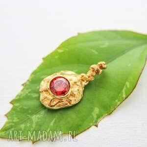 złocony wisior wulkan z czerwoną cyrkonią, złocony, srebro złocone, wisor