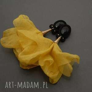 kolczyki sutasz z kwiatkiem, sznurek, musztardowe