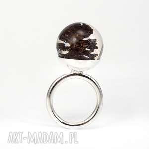 pierścionki pierścionek z szyszką olchy, żywica i srebro, żywica, szyszka, leśna