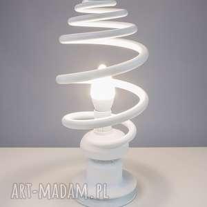 lampy designerska, unikalna, oryginalna, indywidualna lampa stojąca handmade z materiałów z odzysku