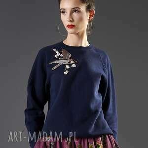 granatowa bluza z haftem, bluza, bawełna, uniwersalna, haft, ciepła, oversize