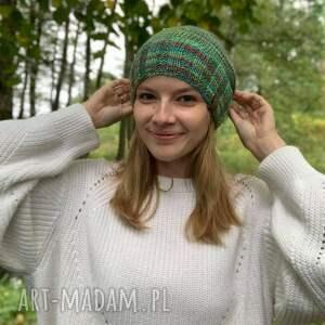święta, lekka kolorowa czapka, na drutach, dodatki, prezent, kolorow