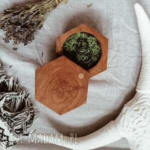 ślub drewniane pudełko na obrączki - heksagon