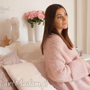 ręcznie robione swetry bladoróżowy długi kardigan
