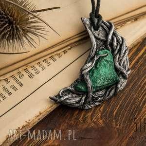wisior inspirowany naturą z surowym malachitem, malachit, księżyc, wisior, boho