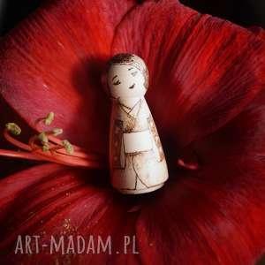 hand-made lalki kokeshi malwina - ręcznie wypalana drewniana laleczka