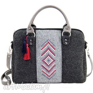 handmade torebki torebka filcowa kuferek 341