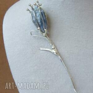 handmade broszki broszka: kwiat z błękitnym kjanitem