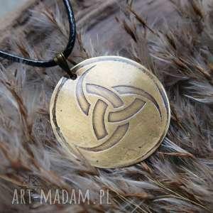 Wisior z trawionej miedzi - Trójróg Odyna, odyn, runa, trójróg, wikingowie, mosiądz