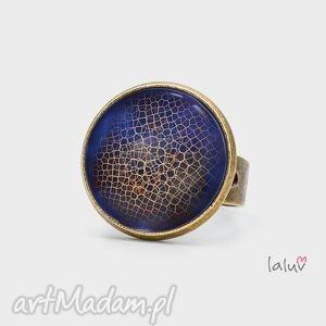 pierścionek blue sphere, grafika, tekstura, łuska