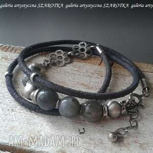 handmade mglista bransoletka z labradorytu, rzemienia i srebra