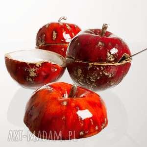ceramiczna cukiernica w kształcie jabłka, ceramika, owoc-ceramiczny, jabłko