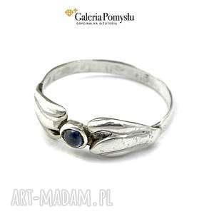 Pierścionek srebrny z szafirem zgustem pierścionek, srebro, 925