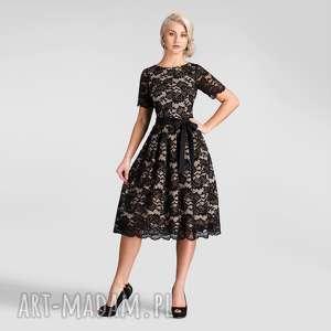 Sukienka fiona midi koronka czarna podkład cielisty sukienki
