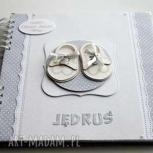 hand-made scrapbooking albumy album na chrzest - buciki