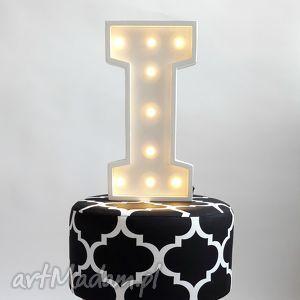 pokoik dziecka podświetlana literka i, literka, lampka, imię, nazwa, alfabet