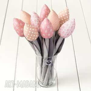 dekoracje tulipany szaro pastelowo różowy bawełniany bukiet, różowe