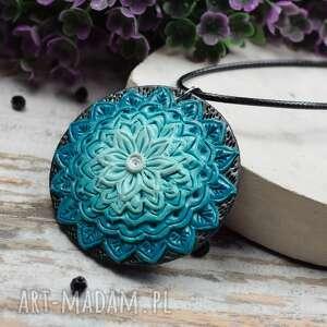 ręcznie zrobione wisiorki wisiorek mandala w odcieniach turkusu