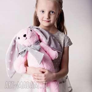 Prezent Przytulanka dziecięca królik z kokardą, królik-maskotka, przytulanka-królik