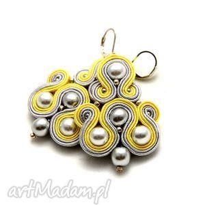 żółto-szare kolczyki sutasz z perełkami, soutache, sznurek, eleganckie, jasne