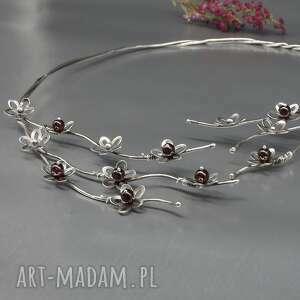 srebrny naszyjnik hildar - naszyjnik obroża, srebrne kwiaty, granaty minerały