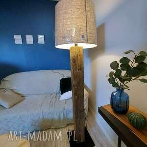 dom lampa ze starej krokwi, lniany abażur, podłogowa, drewniana