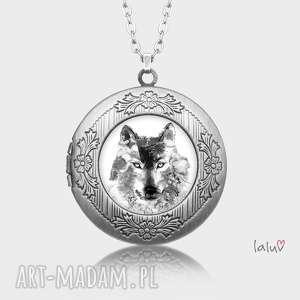 sekretnik wilk, prezent, basior, wataha, wycie, pełnia, drapieżnik biżuteria