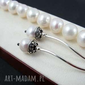 Długie kolczyki perełki, perły
