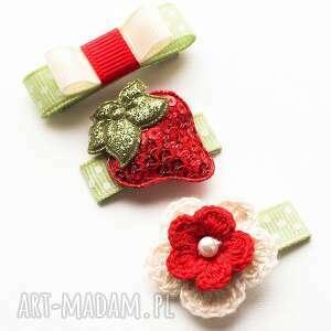 dla dziecka zestaw spineczek do włosów strawberry, spineczki, kwiatuszki