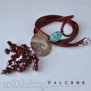 świąteczny prezent, kwiat paproci, naszyjnik, wisior, perły, grawer, paproć, mosiądz