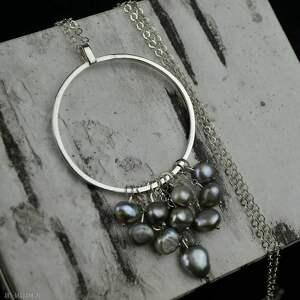 Długi naszyjnik z dużym kołem perłami srebro naszyjniki barbara