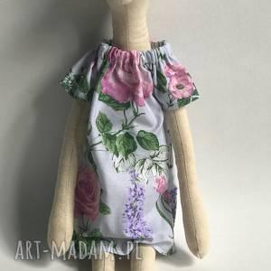 Lisek w sukience na prezent dla dziecka maskotki evelyns world