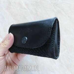 portfele portmonetka skórzana mini czarna z wytłkiem