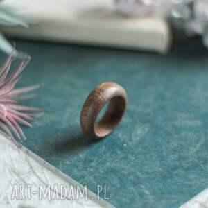hand made obrączki obrączka z drewnia tiama
