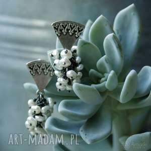 wachlarz z perłowym ogonem, wiszące, gronka, perły, eleganckie, koronkowe