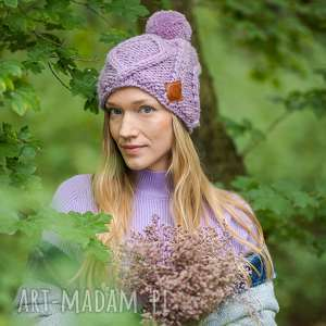 im a hero lavenda, lawendowa, fioletowa, z pomponem, polarem, krótka, wełniana